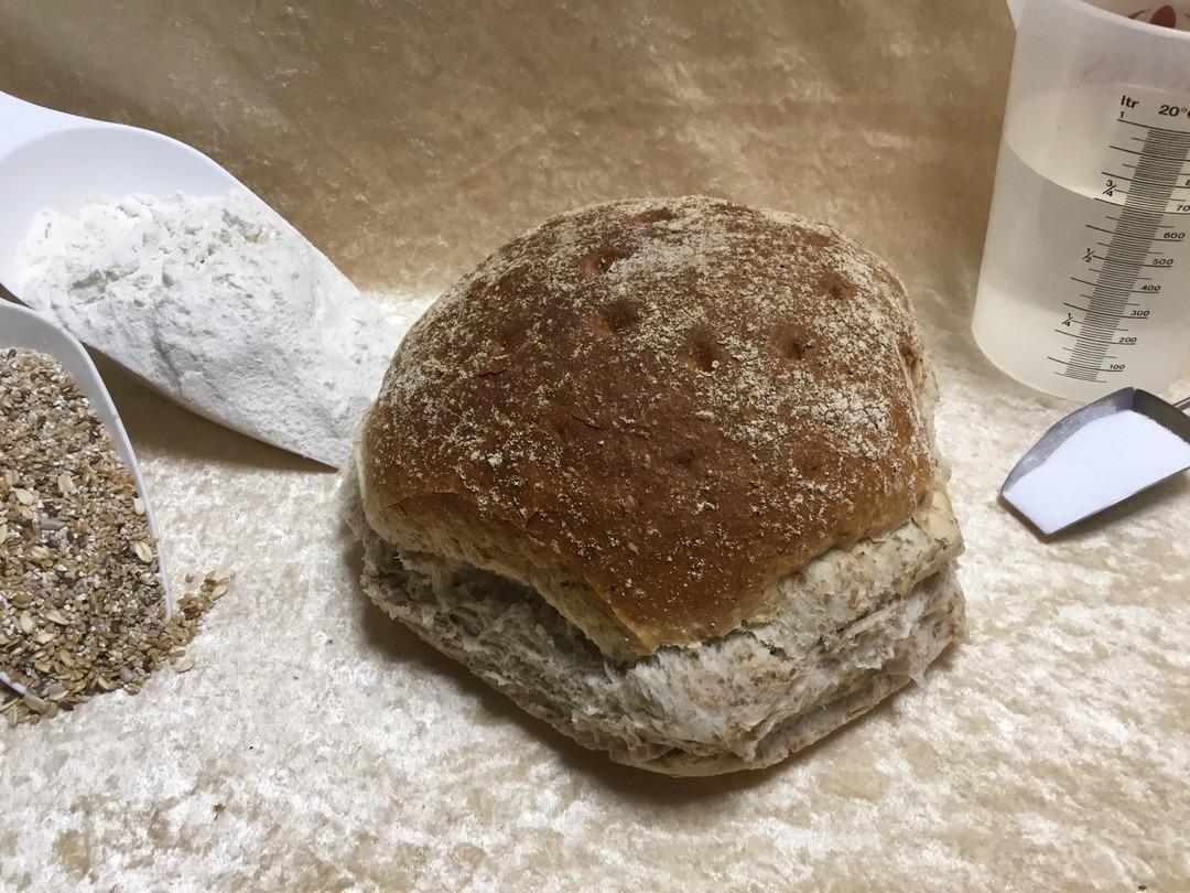 Rond vloer grof brood - Bakeronline