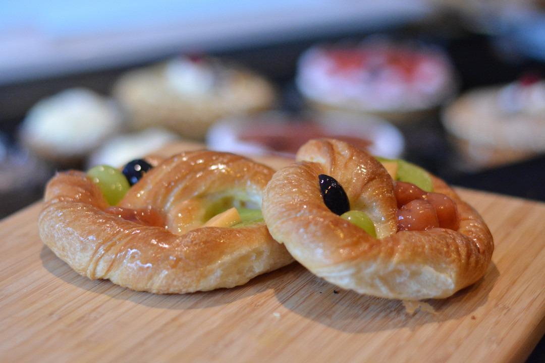 Koek met vers fruit - Bakeronline