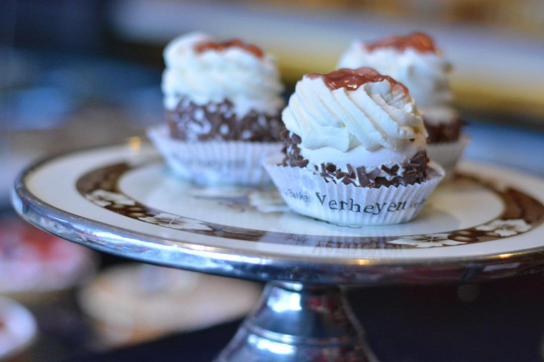 Meringuetaartje met slagroom (1 pers.) - Bakeronline