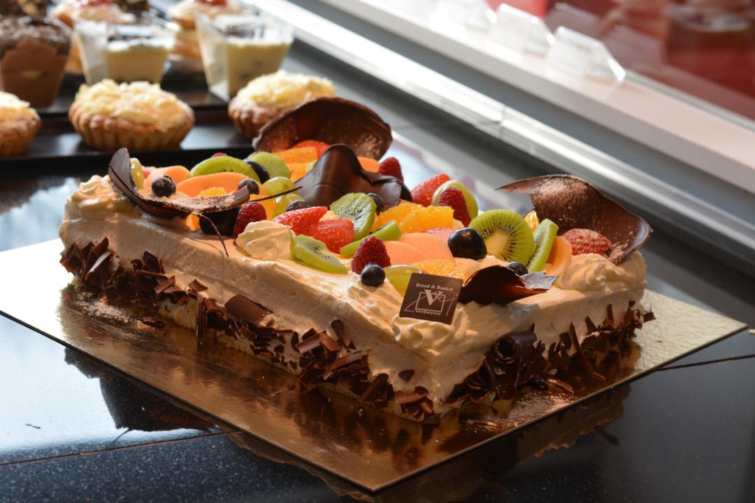 Biscuitgebak met slagroom (4 tot ... pers.) - Bakeronline