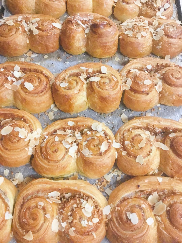 Notenkoek, extra gesuikerd - Bakeronline