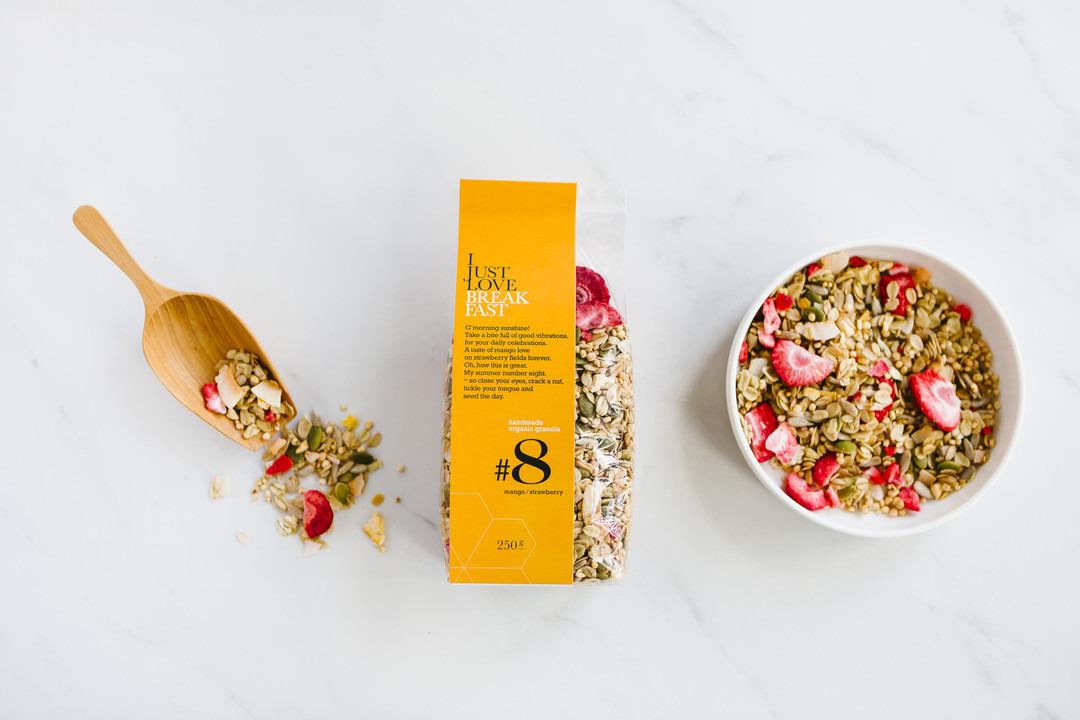 Granola I just love breakfast #8: mango en aardbei - Bakeronline