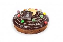 Cake van./choc. met ganache en snoepjes - Bakeronline