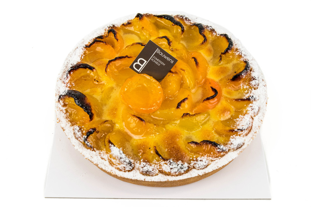 Abrikoos - frangipanetaart - Bakeronline